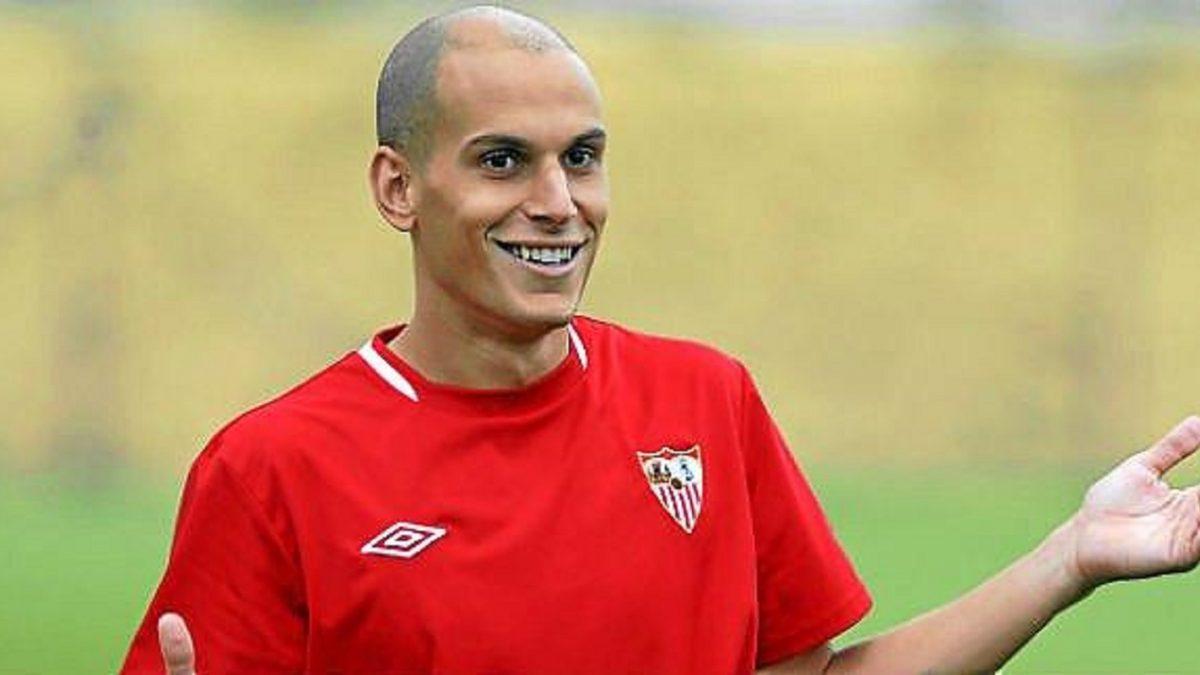 Salidas | Javi Hervás rescinde su contrato con el Sevilla FC